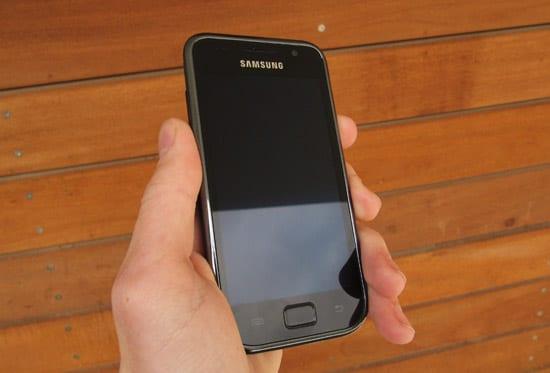 Recenzia  Telefón Samsung Galaxy S - aký je Android z pohľadu Apple ... 1e30f3f4fb4